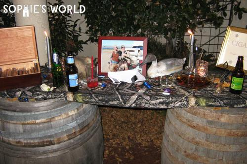 Wedding Decor|duck hunting themed cigar bar|sophie-world.com