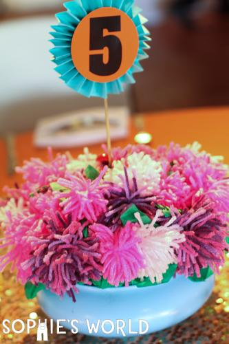 Yarn Pom Pom Flower Bouquet|sophie-world.com