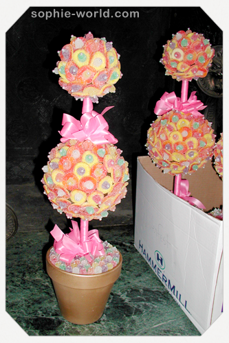 Create edible topiaries out of candy|sophie-world.com