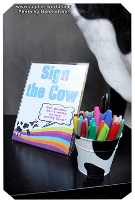 Pens for the cow sign in board|sophie-world.com