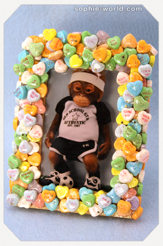 Display your photos in a candy heart frame sophie-world.com