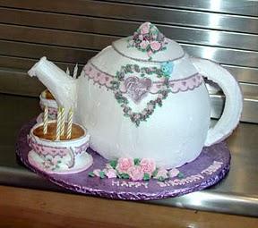 A teapot cake|sophie-world.com