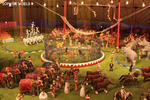 Playland not at the beach|minature circus|sophie-world.com