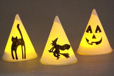 Light up these paper cones for Halloween|sophie-world.com