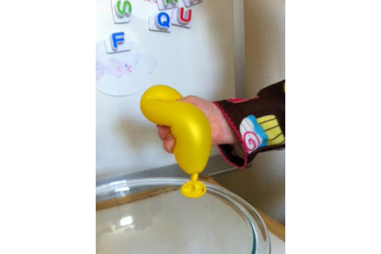 A sensory balloon from Tot Trasures via sophie's world